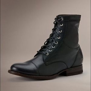 SOLD✨NWOB Frye Erin Cap Toe Leather Lace Up Boot